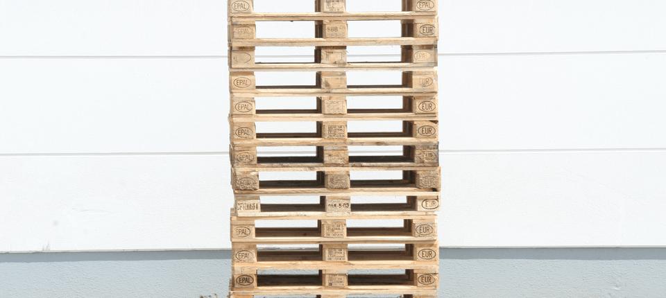 Wir betreiben intensiven Handel, mit neuen und gebrauchten DB-EURO-Holzflachpaletten.