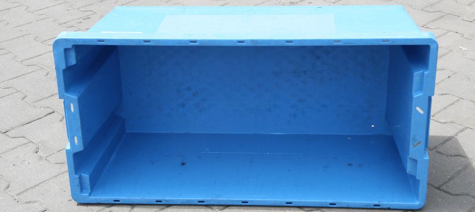 Eine andere Sorte der KLT-Behälter für die Reinigung in unsere Waschanlage.