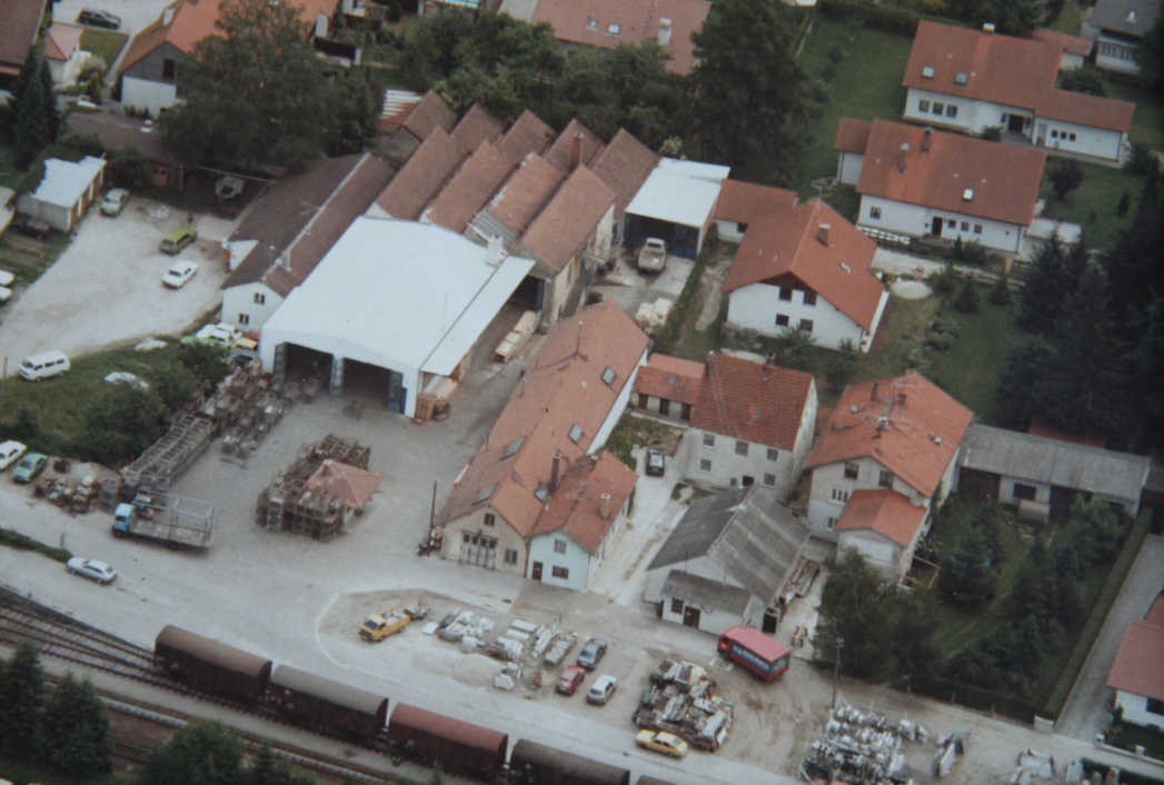 Our head office Bahnhof-Str. 21, 84137 Vilsbiburg in the year 1996